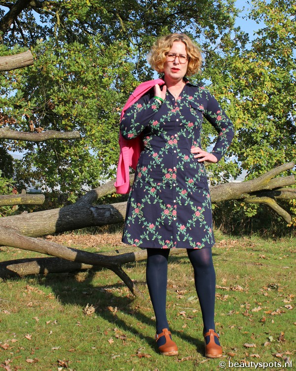 Tante Betsy Dress Snappie Flower Branch