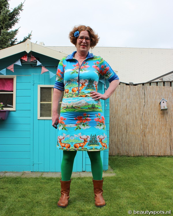 Tante Betsy Dress Sports Over the Top