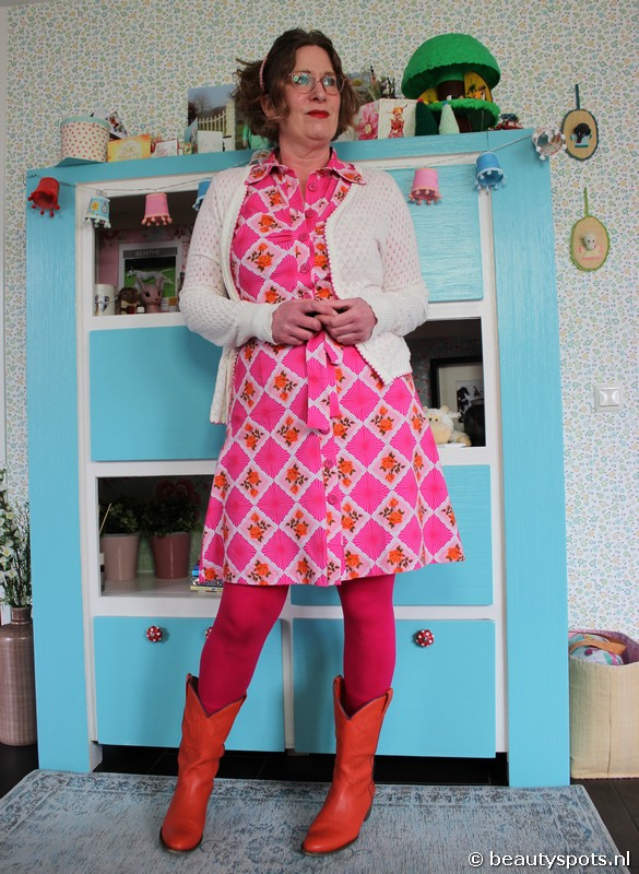 Tante Betsy Button Down Dress Doily n Rose Pink